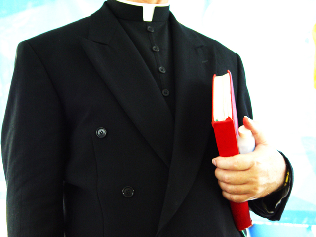 priest-5-1314319-640x480